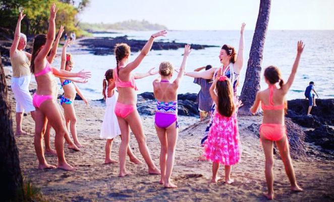 beach-hula-llbcw